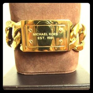 BNWOT large gold curb chain Michael Kors bracelet